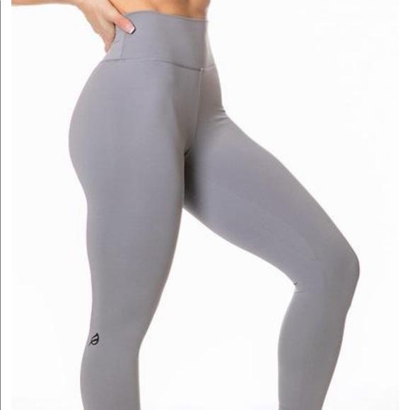 Ptula Pants Jumpsuits Stay True Taylor Legging Poshmark It's a lot of details on each legging so i split it into 3 parts. poshmark